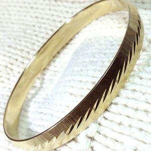 Vintage Gold Tone Monet bracelet Bangle